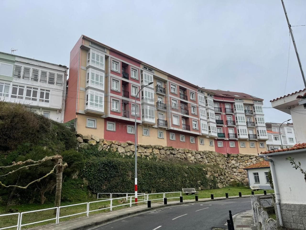 elias real estate: Flat for Sale in Laxe