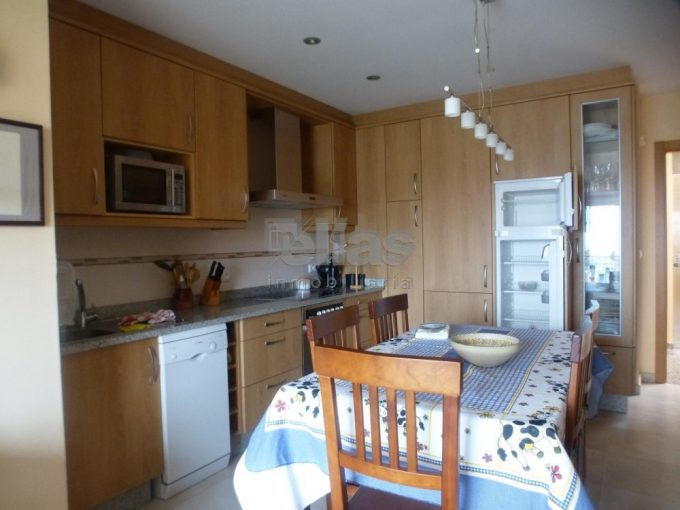 Flat for Sale in Laxe Laxe P000568